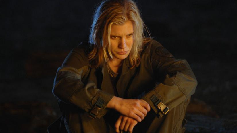 Katee Sackhoff como Starbuck