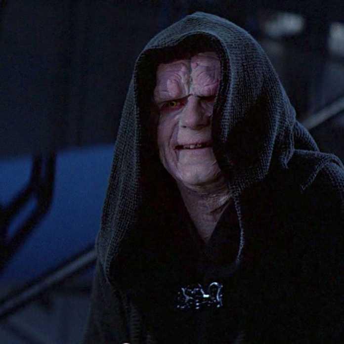 Star Wars: 17 maneiras que a ascensão da novela Skywalker adiciona ao filme